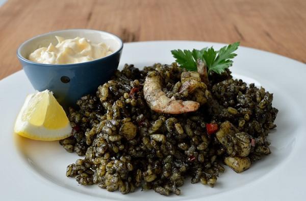 black rice dish