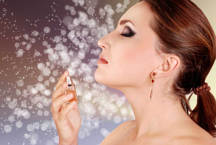 4 TIPS TO BUY AN IDEAL WOMEN'S PERFUME