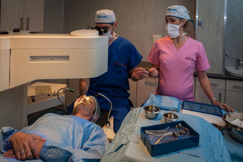 LASIK surgeon in Los Angeles